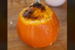Naranja rellena con huevos
