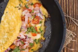 Omelette de huevo y jamón